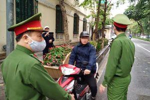 Cơ sở pháp lý việc xử phạt người dân ra đường không vì mục mục đích thiết yếu, vi phạm Chỉ thị 16 của Thủ tướng