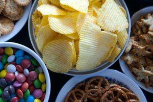 Làm thế nào để ngừng ăn vặt khi làm việc tại nhà?