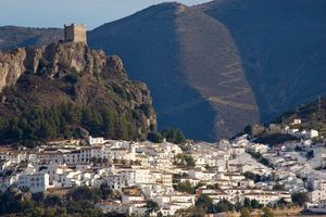 Bên trong thị trấn chưa ai mắc Covid-19 tại Tây Ban Nha