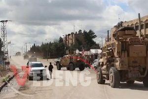 Clip xe quân cảnh Nga bị Mỹ bám sát tại Syria