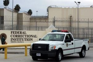 Dịch Covid-19: Mỹ tuyên bố tình trạng khẩn cấp đối với nhà tù, thả thêm tù nhân
