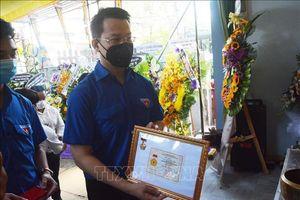 Truy tặng huy hiệu 'Tuổi trẻ dũng cảm' cho Thượng sĩ Võ Văn Toàn