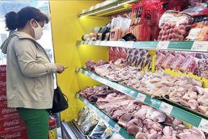 Tập trung bình ổn giá thịt lợn trong nước trước sức ép hàng nhập khẩu