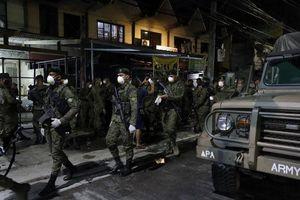 Cảnh sát Philippines bắn hạ người tấn công nhân viên y tế chống dịch