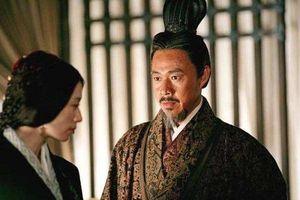 Tam Quốc: Nhân vật nhu nhược nhất, hai lần cắn răng nhìn vợ đẹp bị Lữ Bố và Tào Tháo chiếm đoạt