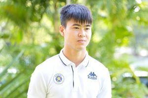 Duy Mạnh nhắn nhủ Quỳnh Anh: Muốn trở thành người cha tốt, một cầu thủ giỏi