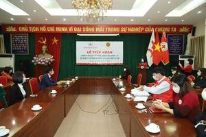 Trung ương Hội Chữ thập đỏ Việt Nam tiếp nhận hơn 5.000 bộ quần áo bảo hộ y tế phòng, chống dịch Covid-19