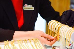 Vàng SJC nhích theo đà tăng của giá vàng thế giới