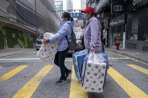 Giấy vệ sinh và khẩu trang cứu tiêu dùng Nhật Bản
