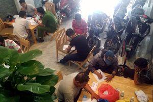 20 người tụ tập đánh bạc trong căn nhà 3 tầng ở Nha Trang