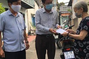 TP HCM: Huyện Hóc Môn bắt đầu chi 1 triệu đồng hỗ trợ người bán vé số