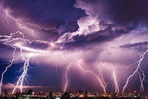 Cảnh báo dông lốc, mưa đá từ Quảng Bình đến Phú Yên, Tây Nguyên và Nam Bộ