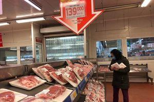 Giá thịt lợn vẫn không 'giảm nhiệt': Do thiếu nguồn cung hay khâu trung gian đẩy giá?