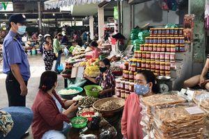 Đà Nẵng xử lý nghiêm người vào chợ không đeo khẩu trang