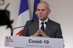 Số bệnh nhân nặng do Covid-19 ở Pháp lần đầu tiên có dấu hiệu giảm