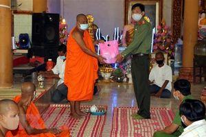 Đồng bào Khmer đón Tết trong điều kiện phòng, chống dịch COVID-19