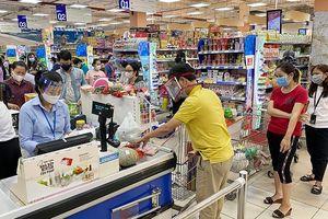 Thủ tướng: Tổng lực dập COVID-19, đưa kinh tế bật dậy sau dịch
