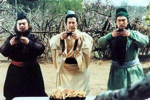 Vì sao Lưu Bị không chọn Trương Phi làm hộ vệ dù đã kết nghĩa vườn đào?