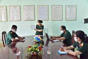 Quân khu 9 chuyển ngữ 100 câu hỏi-đáp về dịch bệnh Covid-19 sang tiếng Khmer