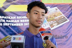 Sao trẻ Malaysia chạy xe ôm công nghệ giao hàng kiếm tiền