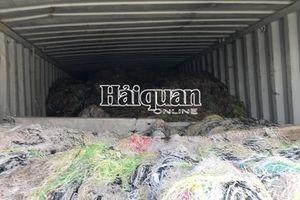 Hình ảnh hơn 1.000 container 'rác' nhập khẩu buộc phải tái xuất