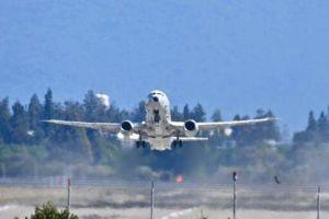 P-8A trang bị radar 'khủng', trở thành 'sát thủ' của tàu sân bay Trung Quốc