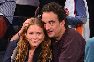 Nữ diễn viên ly hôn em trai cựu tổng thống Pháp