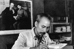 Người vận dụng sáng tạo học thuyết Mác – Lênin vào thực tiễn cách mạng Việt Nam