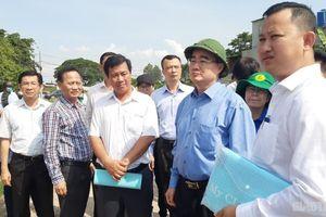Đoàn công tác thành ủy TP.HCM suýt bị hành hung khi thị sát nhà không phép