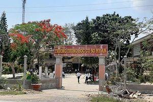 Một hiệu trưởng ở huyện Mang Thít xuống làm giáo viên