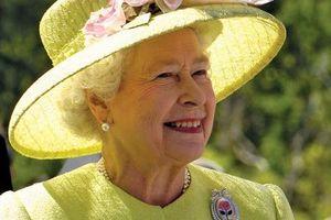 NTK 'ruột' bật mí bí quyết dưỡng nhan của Nữ hoàng Anh: Không bao giờ để người khác động chạm vào da, chỉ ưng duy nhất tuýp kem dưỡng ẩm 600k