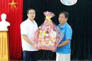 Hỗ trợ xây nhà, tặng quà đoàn viên - lao động