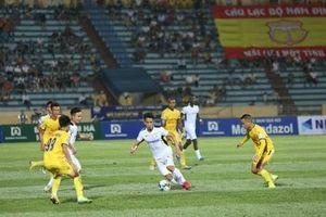 Báo chí Thái Lan thán phục trước trận đấu mở màn các giải bóng đá tại Việt Nam