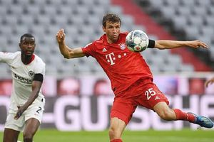Đánh bại Frankfurt, Bayern giữ khoảng cách 4 điểm với Dortmund