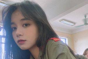 Dân mạng 'đổ gục' trước vẻ đẹp tựa thần tiên của nữ sinh Nam Định trong trang phục quân sự