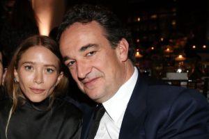 Nữ diễn viên đệ đơn ly hôn em trai cựu tổng thống Pháp lần thứ 3