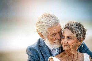 Bộ ảnh kỷ niệm 57 năm ngày cưới minh chứng cổ tích giữa đời thường