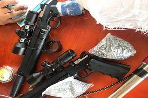 Thanh Hóa: CSGT phát hiện đối tượng tàng trữ 2 khẩu súng cùng 3.000 viên đạn