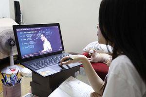 Cho học sinh kiểm tra trực tuyến tại nhà, giáo viên giám sát kiểu gì?