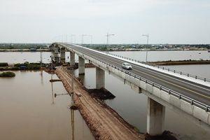 Khánh thành cây cầu ngàn tỷ qua sông Ninh Cơ