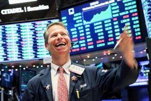 Phố Wall đi lên trong phiên giao dịch ngày 27/5, S&P vượt ngưỡng 3.000 điểm