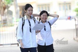 Hôm nay, học sinh lớp 12 tại Hà Nội bắt đầu làm bài khảo sát online
