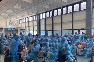 Đưa hơn 340 công dân Việt Nam từ Đài Loan về nước, gồm nhiều thai phụ