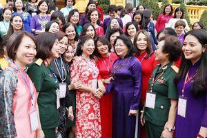 Đổi mới nội dung và phương thức lãnh đạo của Đảng đối với công tác vận động phụ nữ hiện nay