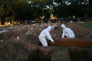 Brazil có gần 27.000 ca nhiễm/ngày, không biết bao giờ vượt qua đỉnh dịch