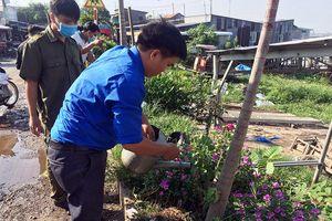 Huyện đoàn Phú Tân ra quân 'Ngày chủ nhật xanh'