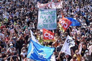Renault cắt giảm việc làm, hàng nghìn công nhân biểu tình phản đối