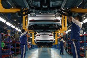 Giá ô tô biến động khi chính sách giảm phí trước bạ có hiệu lực