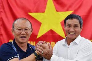 HLV Mai Đức Chung nhận thành tựu trọn đời, vinh danh Fair Play