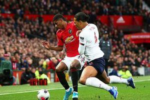 Premier League: Dính COVID-19, cầu thủ không được ra sân